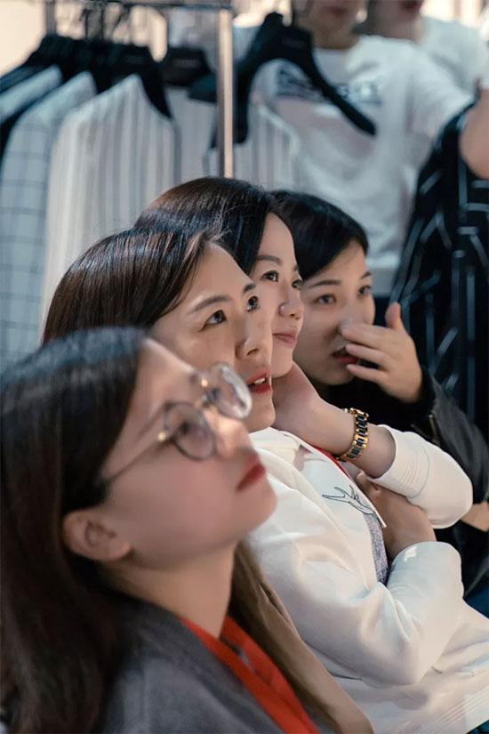 """迪威玛尼""""2019春夏新品发布暨订货会""""现场回顾"""