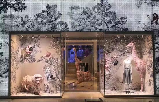 Dior全新橱窗来了!没想到你竟然变得如此大胆!