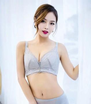 恭喜江苏连云港王姐签约玫瑰春天时尚店!