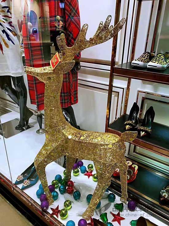 圣诞橱窗已就位 维斯提诺以时髦姿态迎接Christmas!