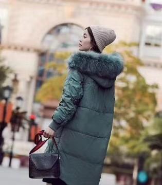 衣佰芬告诉你是什么女装既保暖又时髦