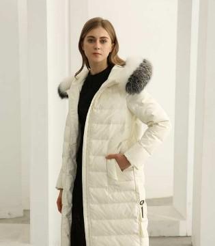不费力的时髦法则 欧米�q告诉你这样穿高级又优雅