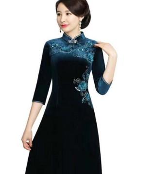 娟秀雅致美如画 一条唐雅阁旗袍裙足矣