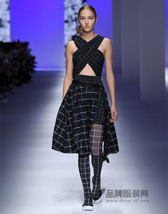 FILA米兰时装周走秀款惊艳上市 延续运动挑战时尚精神