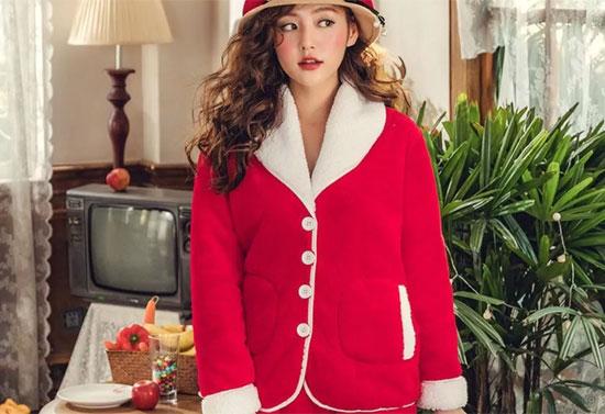 给你的情书 藏在#*%#**我的圣诞战袍里~