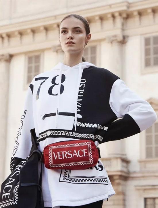 Versace 2019度假系列 | 摇曳浪漫春日风情