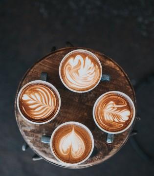 """星巴克、瑞幸接连""""跌倒"""" 卖咖啡真的是个好生意么?"""