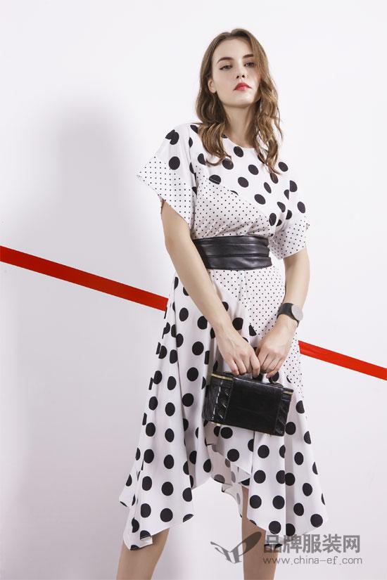来一件例格品牌女装 做个早春俏佳人