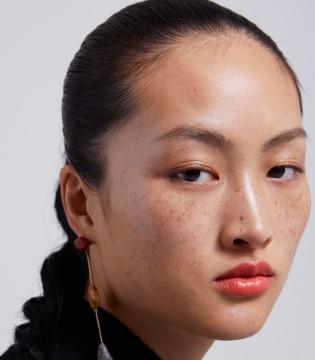 "Zara广告故意丑化中国人?还是网友不懂""高级脸"""