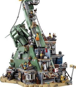 玩具制造商乐高LEGO将推出限量版成人服装系列