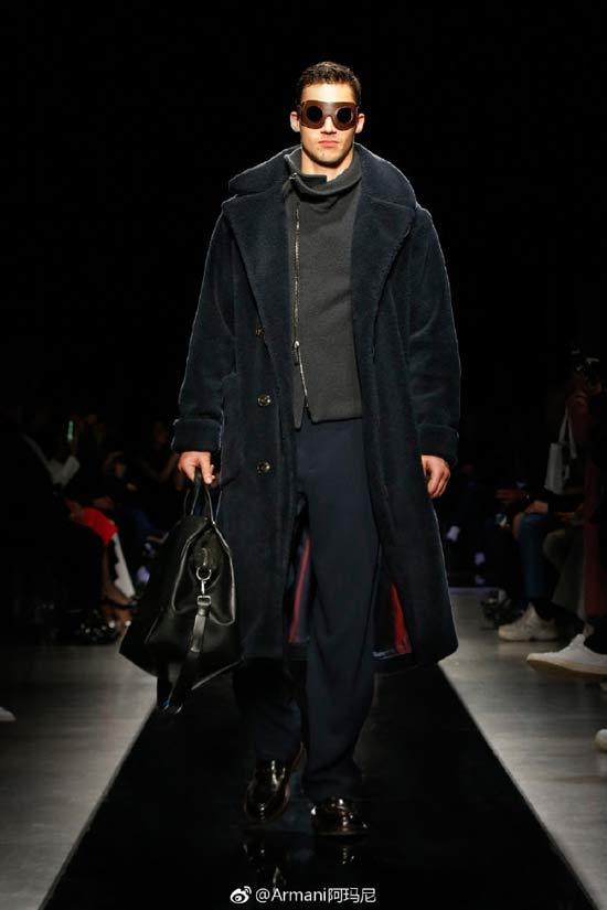 Giorgio Armani2019秋冬男装 优雅中寻求阳刚之气