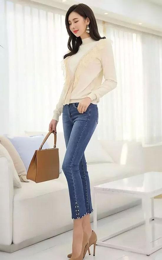 季节不管怎么转换 湛蓝的色的牛仔裤依旧在眼前