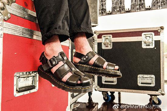 英国鞋履品牌Dr.Martens马汀博士新品 独具都市魅力