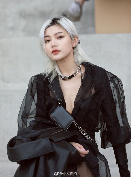 2019潮流服装新搭配 尽在时尚达人日常街拍