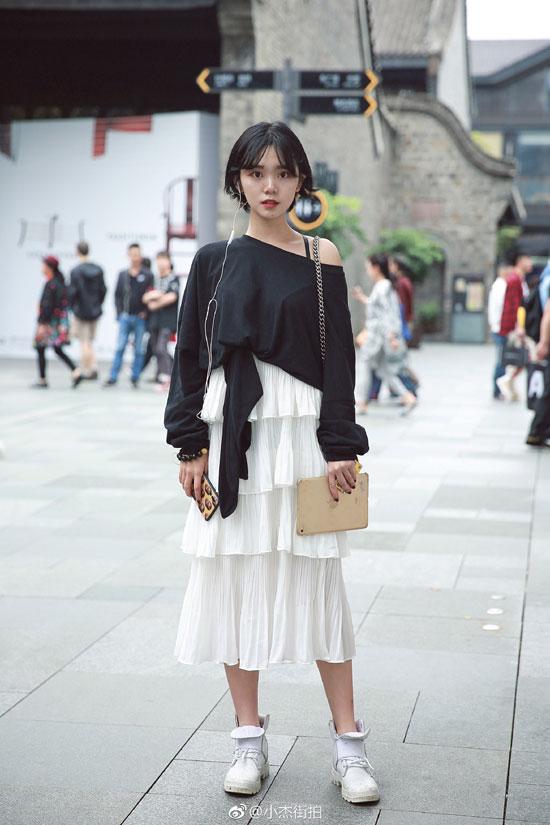 时尚街拍来告诉你 潮流服饰应该去怎么搭
