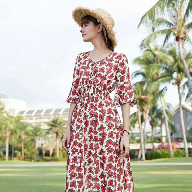品牌折扣女装 衣佰芬品牌带你演绎夏日浪漫风情