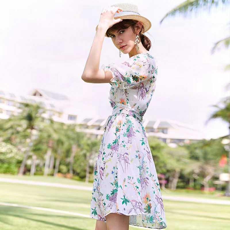 品牌折扣女装  穿上衣佰芬女装你只会越来越美