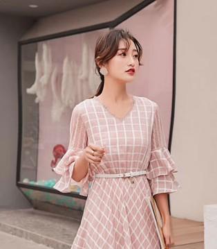 木丝语品牌女装 告诉你夏季的服装秘密