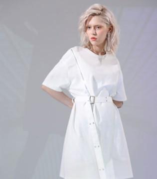 丹比奴|今年春夏流行的白色单品 穿十年都不会过时!