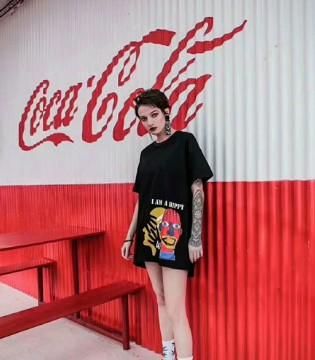 既能新潮个性 又能古典优雅的芝麻E柜女装