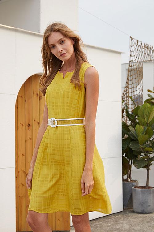 夏季连衣裙如何搭配 衣艾EI带你看见不一样的世界