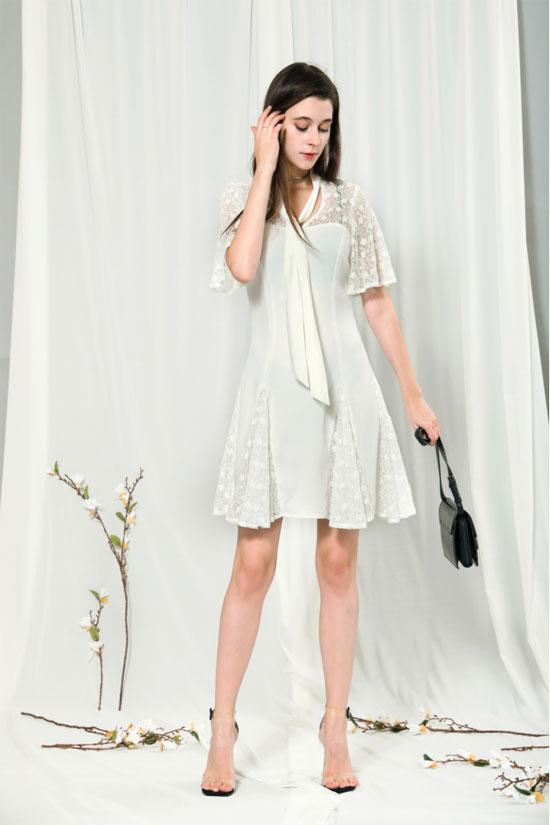 一到夏天 莎斯莱思的蕾丝裙就火了 穿上就永远是少女!