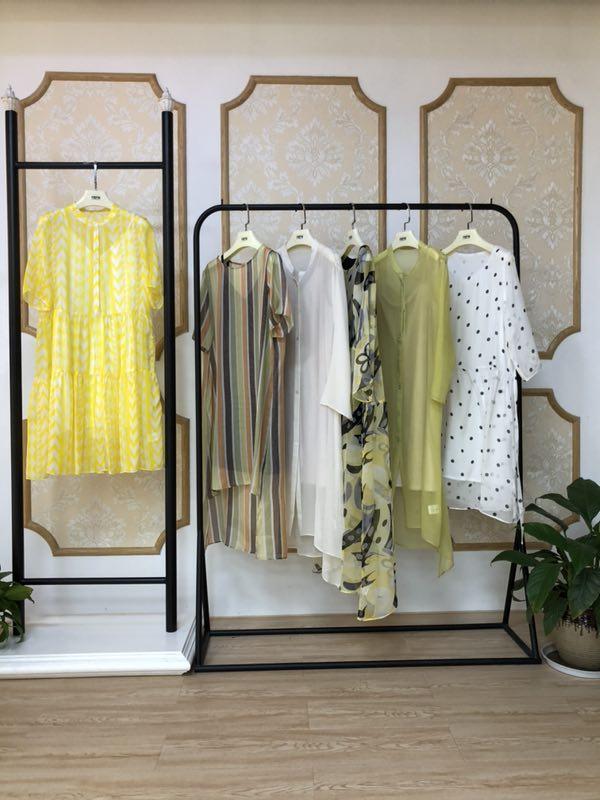 喜讯!祝贺阿莱贝琳女装品牌与贵州彭女士成功签约