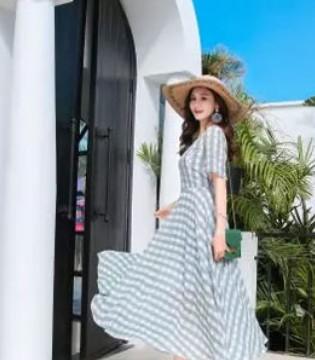 夏季连衣裙如何搭配 Ei.衣艾女装带你看不一样的世界