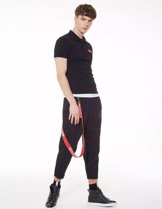 佐纳利极简风格演绎正确的时尚姿态!