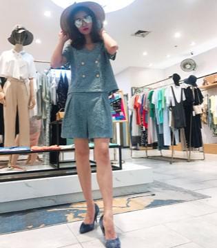 独外女装品牌 把时尚融进你时尚 成为一个时尚达人