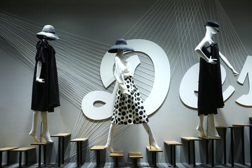 极美女装开启高阶美颜时代和时尚魅力