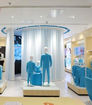 这家新零售服装体验店一夜之间成了网红店!