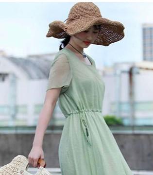 夏季时尚新装就要去迪斯廷.凯品牌女装店!