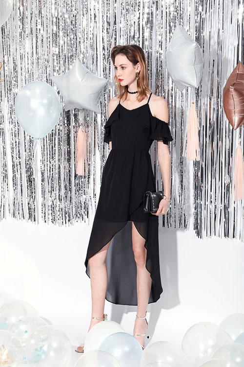 夏天适合穿吊带 莎斯莱思女装淋漓尽致展示女性之美!