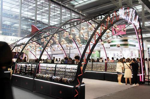 2020年盛大的深圳展 有幸发现鲨鱼甜心配饰品牌