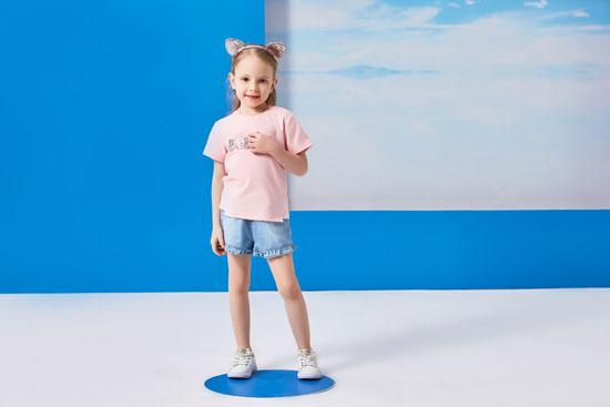 小猪班纳童装品牌 濒临暑假赶快来看看清凉衣装吧