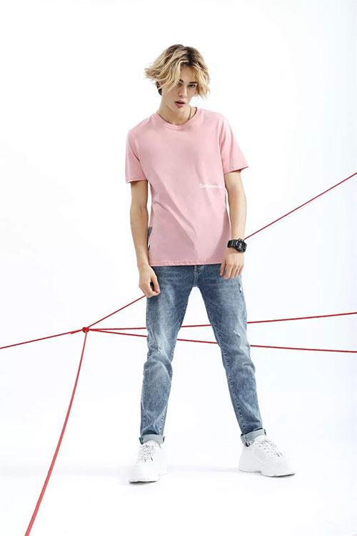 今夏穿莎斯莱思 你和型男之间就差一件粉色单品的距离