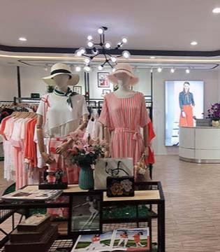 新气象新面貌 �垡郎�女�b集成店为顾客带来新购物体验