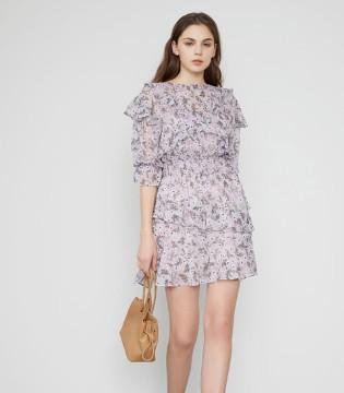 想打扮精致首先将服装搭配完善 爱弗瑞的时尚让你完美