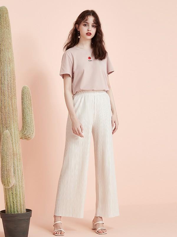 阿莱贝琳为你呈现舒适的色彩搭配 夏日进阶甜美女神