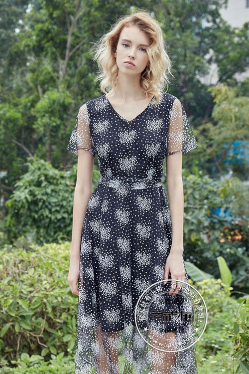 芝麻E柜品牌女装 美出新高度的女装