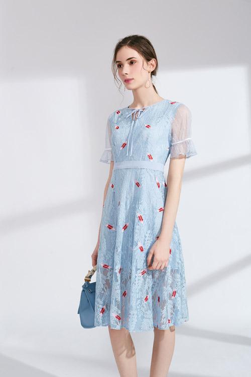 百分之八十的女性衣柜都有这款服装 你确定不看看?