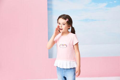 小女孩怎么搭配好看? 小猪班纳呈现时尚女童造型