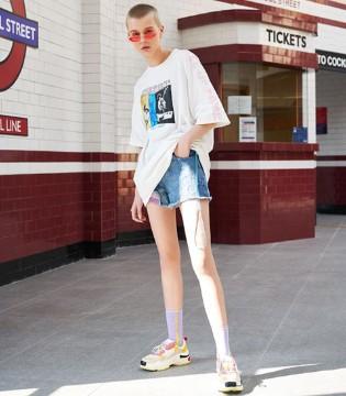 跟随SY+品牌女装穿出随性摩登新态度