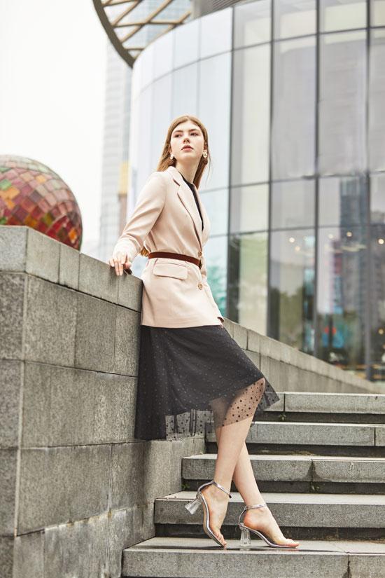 笛瑞打造自我风格 优美的秋季新品上市