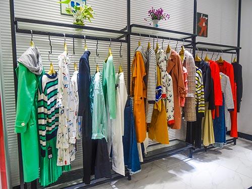 八月 夺宝奇兵品牌女装再一次迎来四川泸州两员大将!