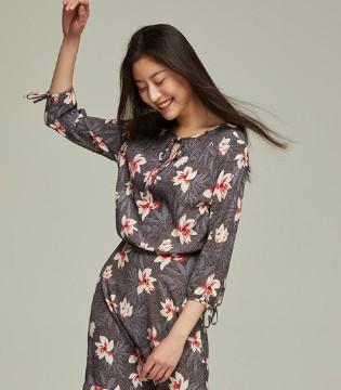 Esprit edc:彰显女性活力的女士系带印花长袖连衣裙