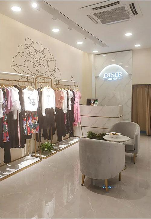即将进入九月 迪丝爱尔品牌女装再一次传来开业好消息