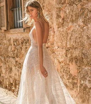 来一款梦幻般的婚纱吗?Muse by Berta轻奢浪漫婚纱