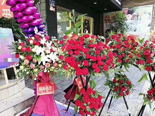 八月喜讯不断!热烈祝贺龙子印云南平县店盛大开业!